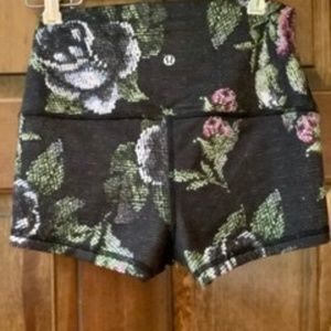 Lululemon athletica women's shorts, size 6